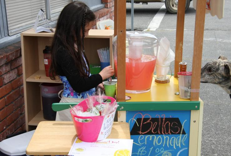 Lemonade Stand, Henderson Center, Eureka